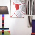 lampadaire graphique cubes en couleurs multicolore Pied-Jeu mobilier Les Pieds Sur La Table exposition détail