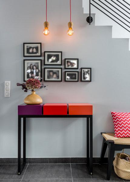 console design décorative acier et cubes aubergine rouge orange Pied Estal mobilier Les Pieds Sur La Table réalisation maison