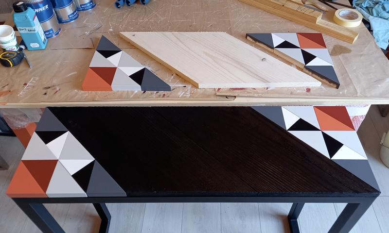 Console bois brulé avec motif Origami original, création et fabrication 100% française par Meubles Les Pieds Sur La Table