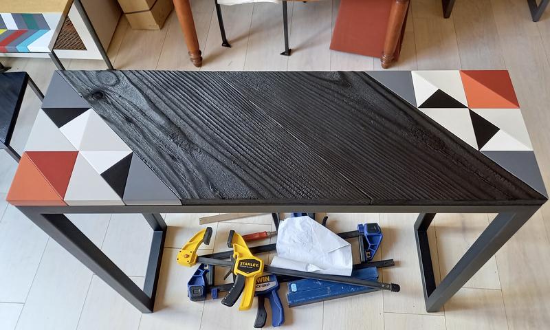 Console Origami 10 ans montage du motif à l'atelier. Création et fabrication mobilier design Les Pieds Sur La Table Paris
