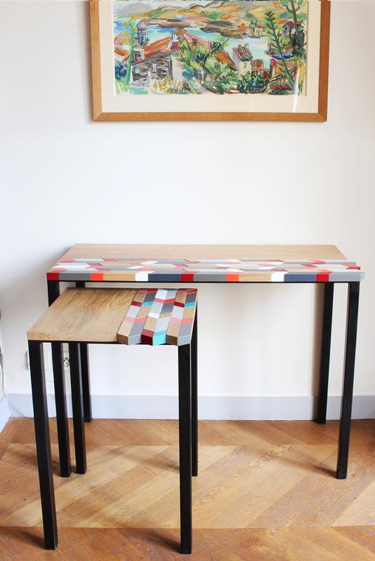 Consoles design sur mesure à motif origami original laqué et bois massif brossé. Création et réalisation pour une maison privée par Sandrine Reverseau, mobilier Les Pieds Sur La Table