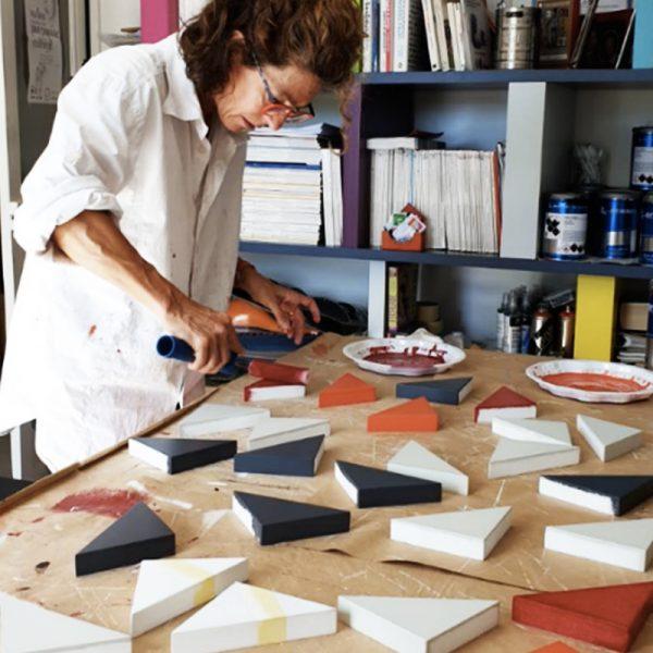 Console bois laqué à l'atelie de chaque pièce du motif Origami - Une
