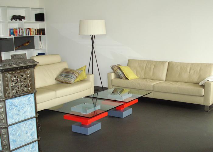 Paire de tables basses sur mesure : carrée laque rouge et gris béton et verre Pied-G Uno Mobilier design modulable Les Pieds Sur La Table
