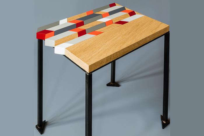 Table basse Origami en bois massif récupéré, bois laqué et acier. Design Les Pieds Sur La Table