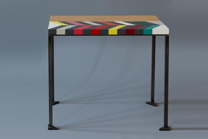 Table basse bois motif couleurs Origami modèle Panorama Collection Origami design par Mobilier Les Pieds Sur La Table