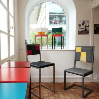 Chaises design Pied-Tine et chaise de bar à la Vente éphémère du Mobilier contemporain design Les PIeds Sur La Table créateur et fabricant à la boutique éphémère de Rueil-Malmaison
