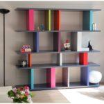 bibliothèque étagère modulable sur mesure Tu Lis Pied mobilier Les Pieds Sur La Table multicolore