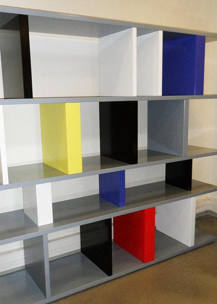bibliothèque étagère modulable couleurs Mondrian sur mesure Tu Lis Pied mobilier Les Pieds Sur La Table réalisation entreprise bureau