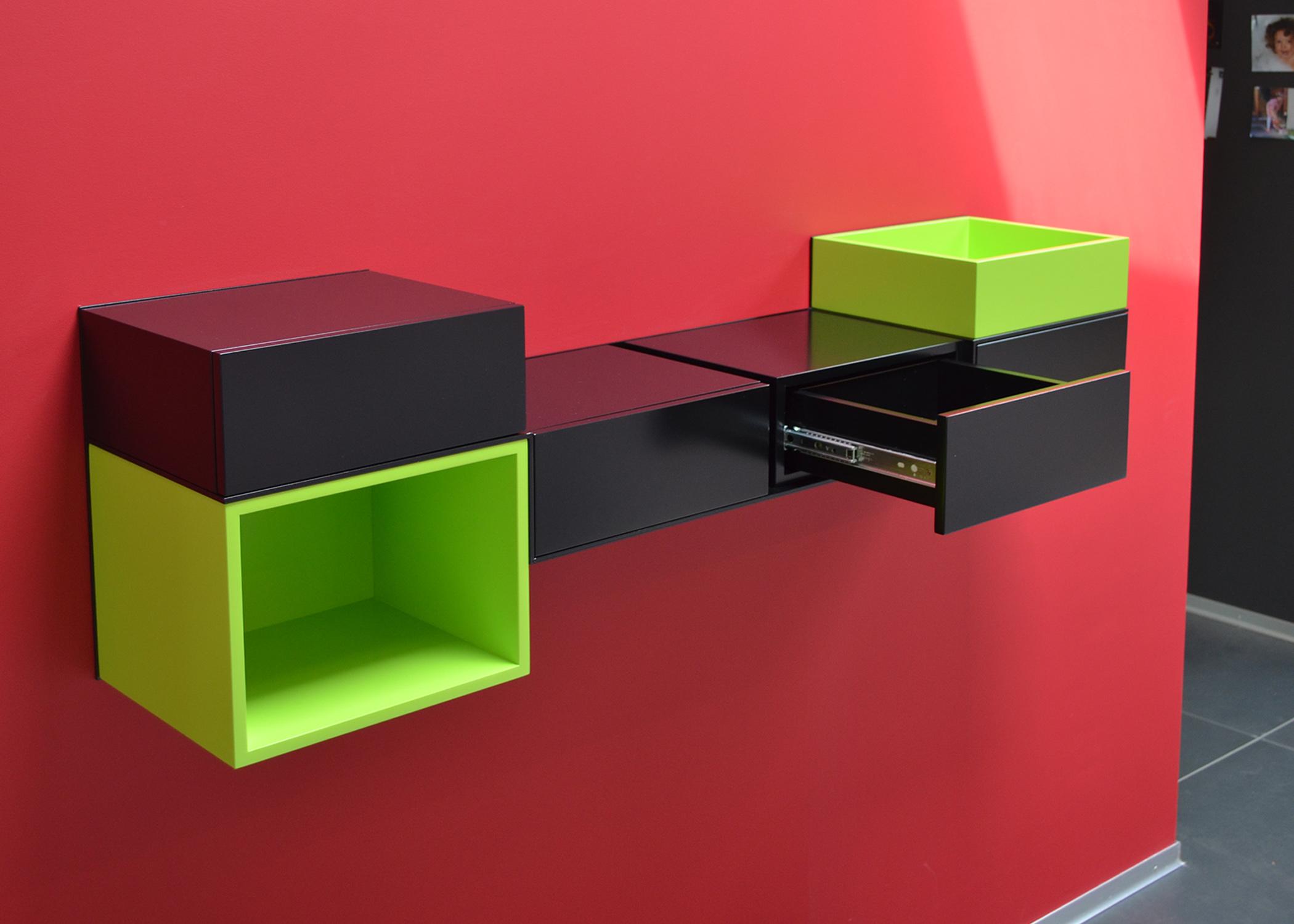 bureau console murale sur mesure Pas-Pied, réalisation client particulier noir et vert pistache, mobilier Les Pieds Sur La Table