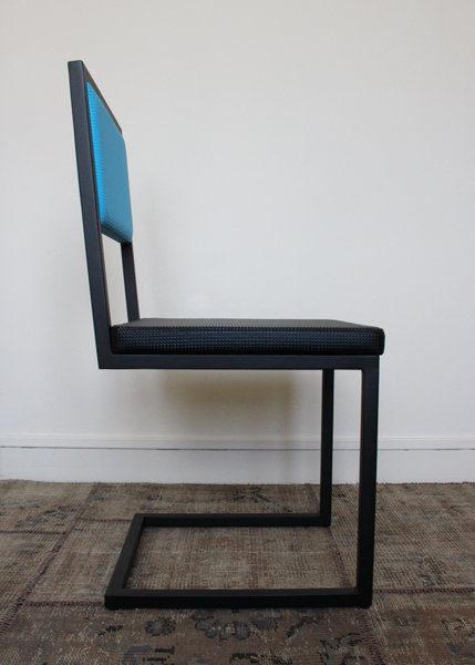 chaise de bureau design moderne Pied-Tine structure acier noir profil par Les Pieds Sur la Table