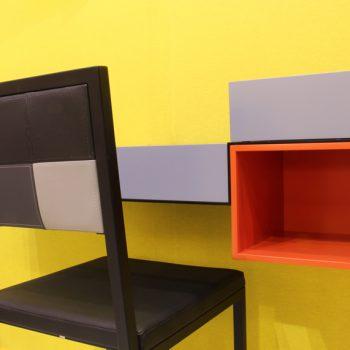 chaise de bureau design Pied-Tine dossier en damier noir gris par Les Pieds Sur la Table