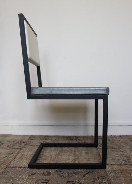 chaise de repas design Pied-Tine profil par Les Pieds Sur la Table