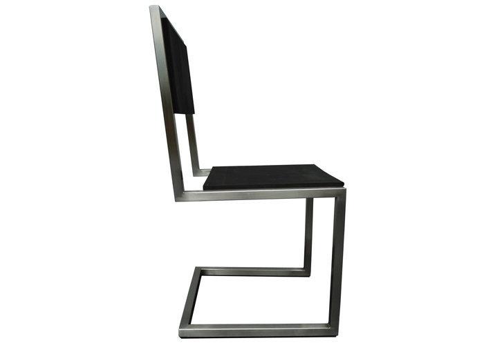 Chaise Dexterieur Design Inox Caoutchouc Recycle Pied Tine Par Les Pieds Sur La