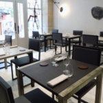 chaise de restaurant design acier et dossier uni par Les Pieds Sur la Table
