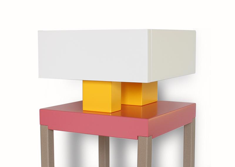 Table de chevet design laquée Pied-de-Grue. Laque et acier Mobilier contemporain Les-Pieds-Sur-la-Table-meubles-design-sur-mesure-détail