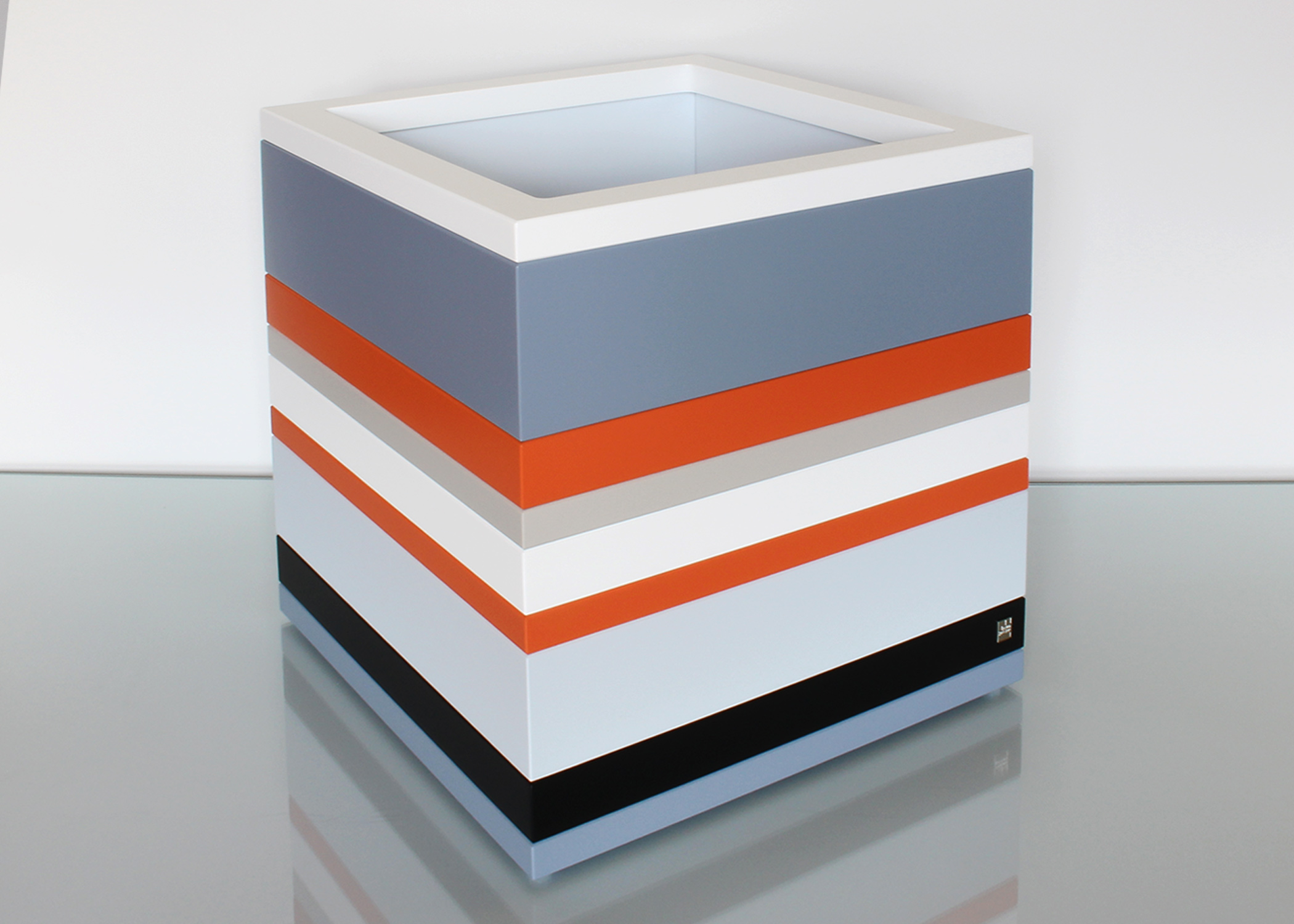 coffre de rangement grand mod le mobilier les pieds sur. Black Bedroom Furniture Sets. Home Design Ideas