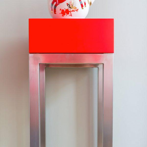 console connectée design rouge Plug and Pied mobilier Les Pieds Sur La Table réalisation maison détail