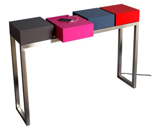 console connectée design Plug and Pied mobilier Les Pieds Sur La Table modèle original détouré