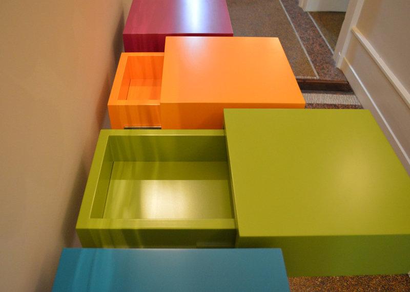 console connectée cubes tiroir couleurs pétillantes Plug and Pied mobilier Les Pieds Sur La Table réalisation maison