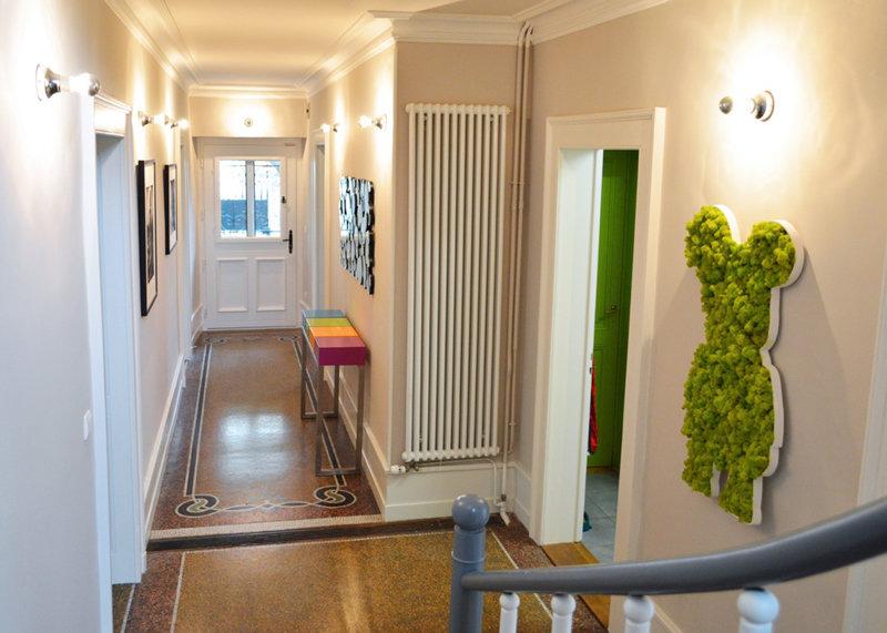 console connectée design pied inox et cubes couleurs pétillantes Plug and Pied mobilier Les Pieds Sur La Table réalisation maison