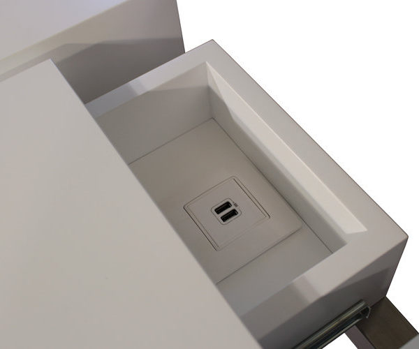console connectée design Plug and Pied mobilier Les Pieds Sur La Table détail prise USB intégrée