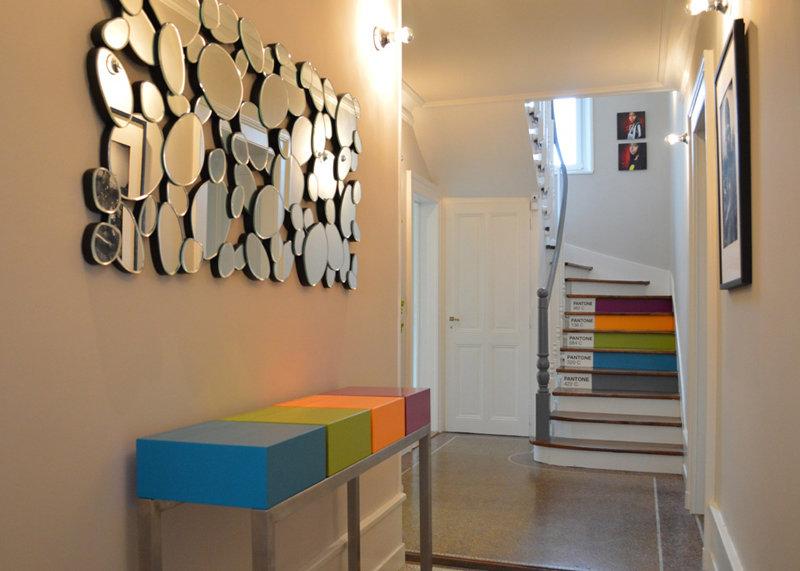 console connectée inox et cubes couleurs pétillantes Plug and Pied mobilier Les Pieds Sur La Table réalisation maison