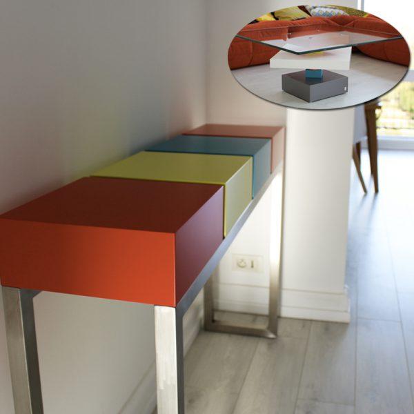 console d'entrée et table basse en verre, les deux meubles réalisés sur mesure pour un appartement moderne