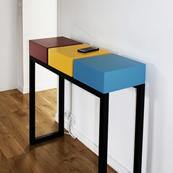 Console design connectée sur mesure. Création et fabrication mobilier contemporain Les Pieds Sur La Table