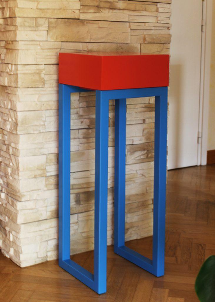 Petite console moderne sur mesure et décorative PIed-Estal mono cube, acier laqué et cube tiroir laqué Orange pop. Console design collection Les PIeds Sur la table mobilier de création et fabrication française