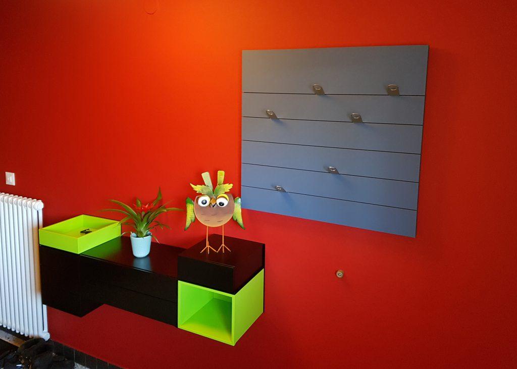 console d'entrée murale Pas-Pied, création et fabrication sur mesure couleurs noir c'est noir et vert pistache pour un client particulier, Mobilier Les Pieds Sur La Table