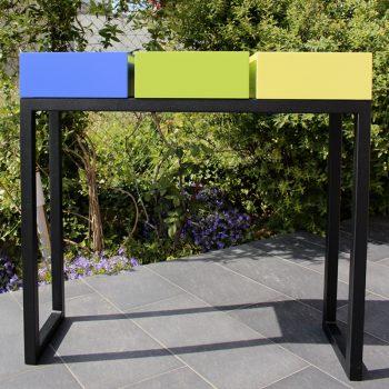 Console moderne graphique design sur mesure pied en acier noir et cubes tiroirs laqués couleurs bleu indigo, vert pistache et jaune lime Mobilier Les Pieds Sur La Table créateur et fabricant de meubles contemporains design sur mesure