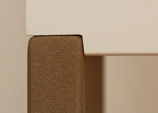 Console, finition du pied en acier laqué beige doré. Collection de mobilier contemporain Les-Pieds-Sur-la-Table-meubles-design-sur-mesure