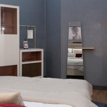 mobilier chambre hotel prototype dressing placard penderie bois tole perforée Chambre 306 mobilier Les Pieds Sur La Table