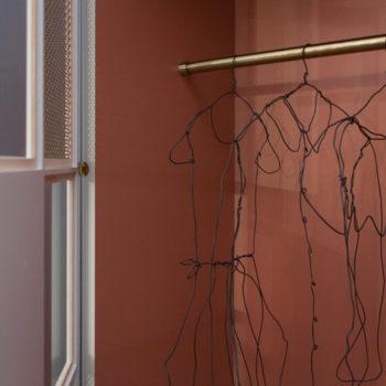prototype dressing penderie sur mesure et meuble minibar sur mesure mobilier chambre hotel, mobilier Les Pieds Sur La Table