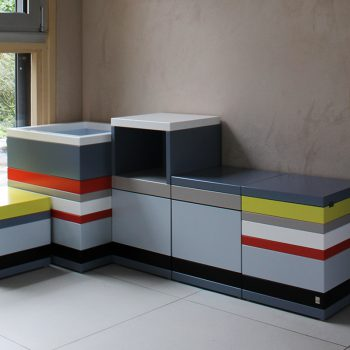 Coffres de rangement sur mesure Pied-Monté, bois laqué en couleurs sur mesure, mobilier Les Pieds Sur La Table, réalisation maison-800