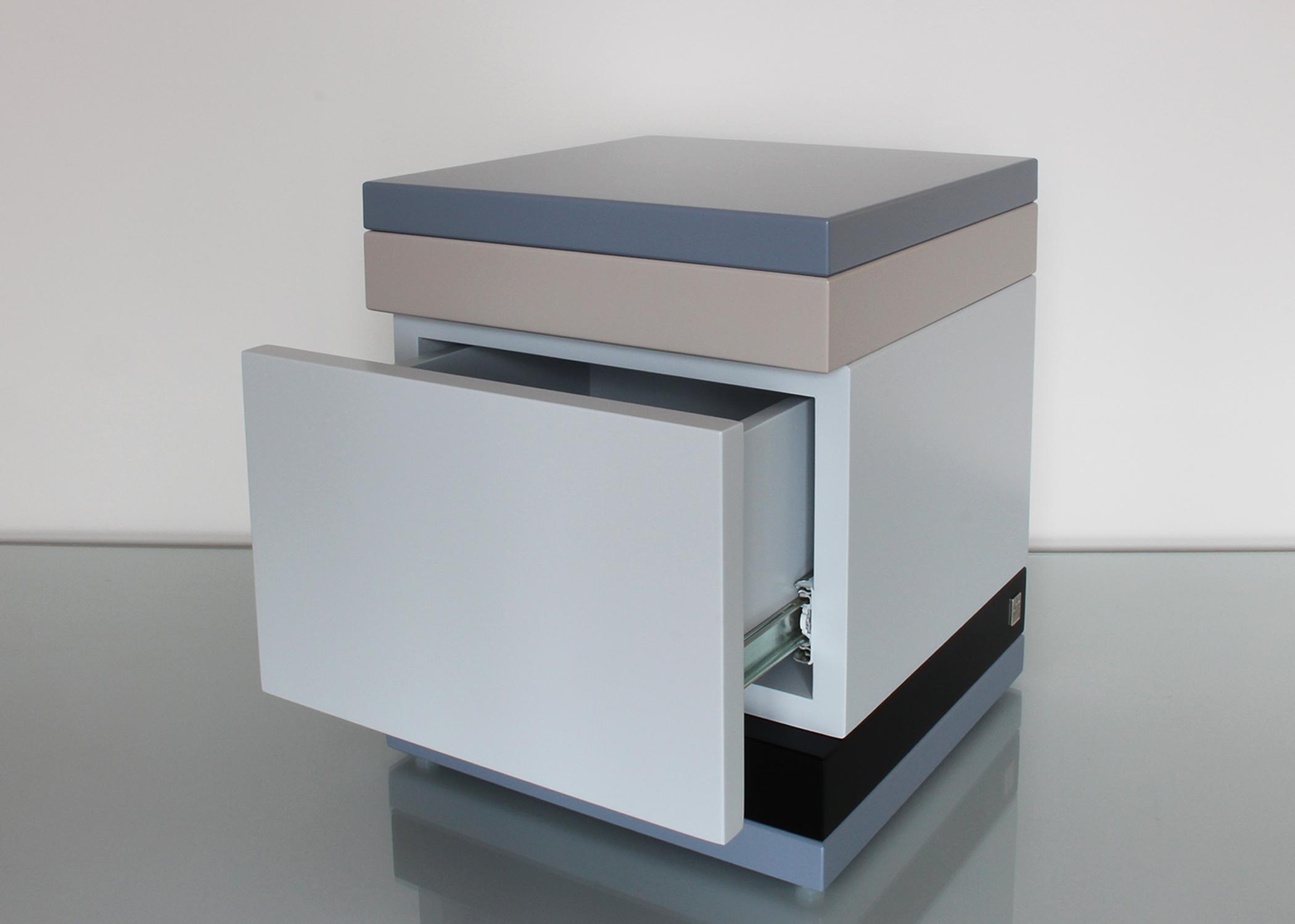 Chevet avec tiroir sur mesure mobilier les pieds sur la for Tiroir de cuisine sur mesure