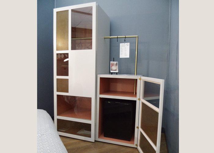 mobilier chambre hotel prototype meuble minibar bois tôle perforée Chambre 306 mobilier Les Pieds Sur La Table