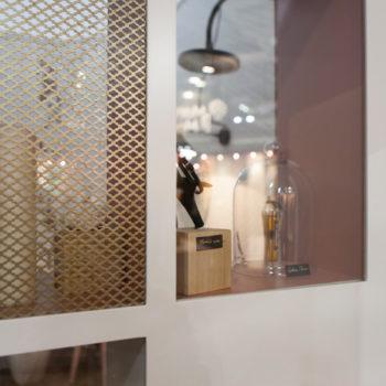mobilier chambre hotel prototype vitrine design Chambre 306 mobilier Les Pieds Sur La Table détail