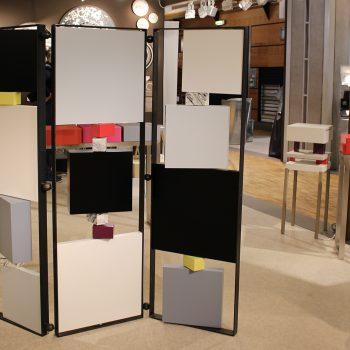 paravent contemporain acier marbre avec 3 vanteaux. Modèle Tournis-Pied paravent sur mesure. Création et fabrication meubles design Les Pieds Sur La Table
