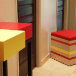 pouf grand modèle laqué beige parchemin orange rouge jaune Group-Pied par Les Pieds Sur la Table