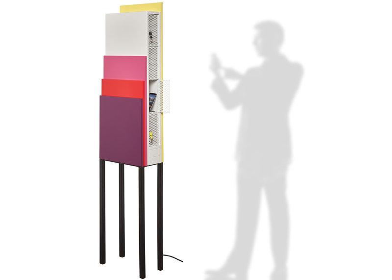 Meuble design pour rechargement de smartphone, mobilier de bureau, Prototype design par Les Pieds Sur La Table