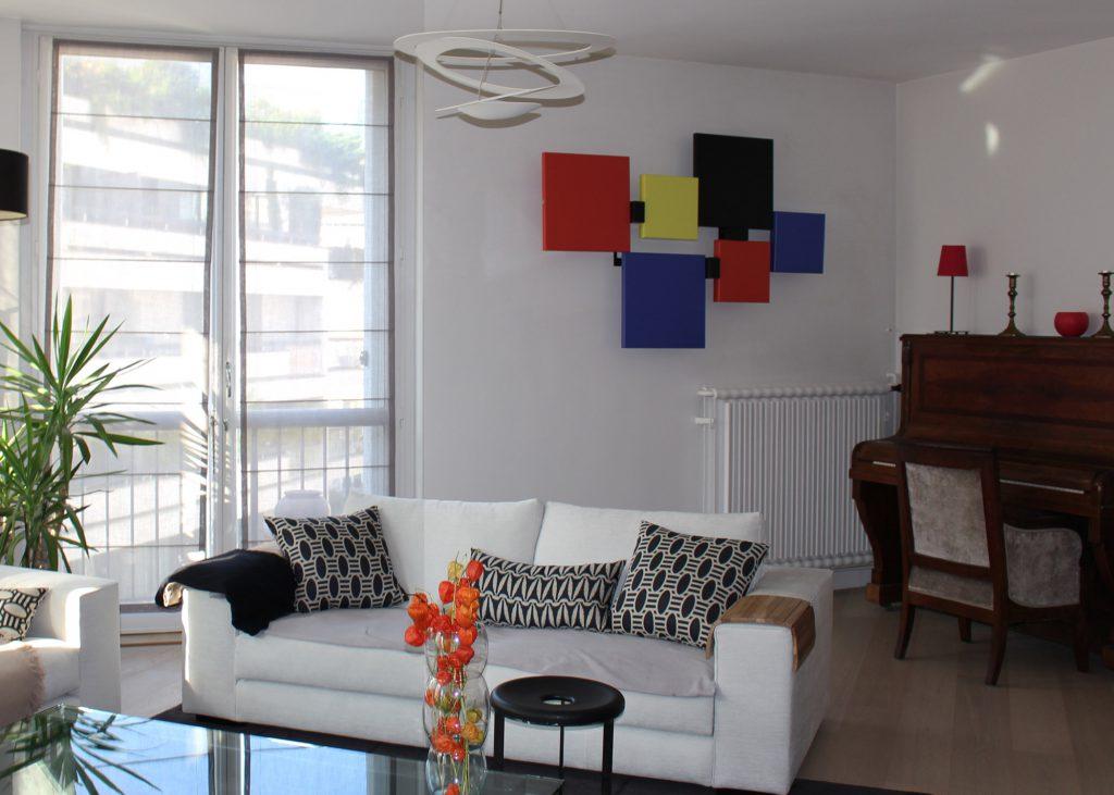 sculpture design murale en couleurs Pas-Pied-Peint appartement particulier, Mobilier Les Pieds Sur La Table