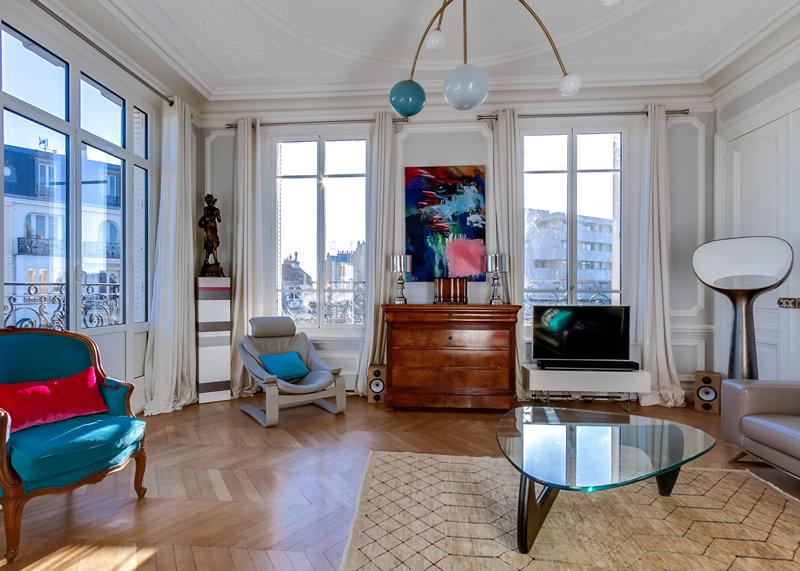 socle pour objet d'art sur mesure Mille-Pied grand modèle mobilier Les Pieds Sur La Table réalisation maison