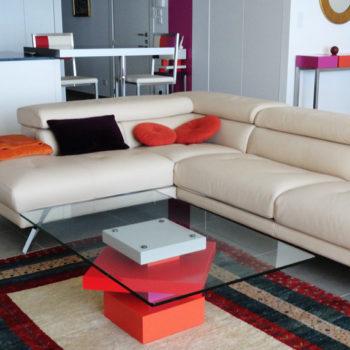 table basse en couleurs rouge orange beige et verre carré Pied G Uno mobilier modulable Les Pieds Sur La Table réalisation maison