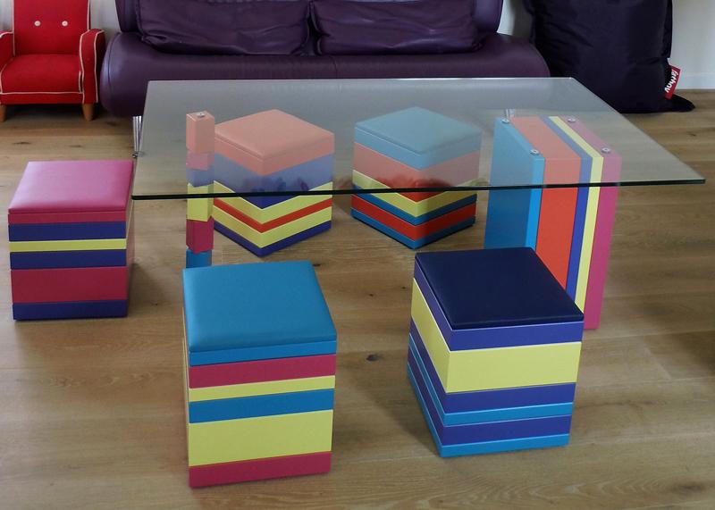 Poufs en couleurs Group-Pied Meubles Les Pieds Sur La Table