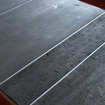 low table rubber pied g unique piece les pieds sur la table. Black Bedroom Furniture Sets. Home Design Ideas