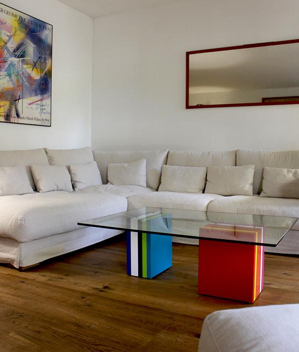 Table basse design rectangulaire pied en couleurs, plateau en verre Pied-G Multi par Mobilier Les Pieds Sur La Table Paris