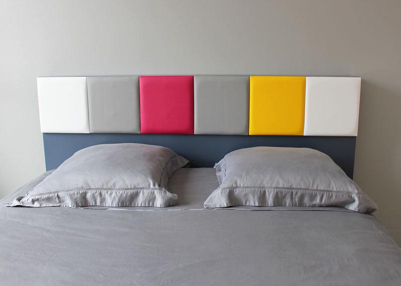 tête de lit avec rangements sur mesure gris jaune Drap-Pied mobilier Les Pieds Sur La Table réalisation maison