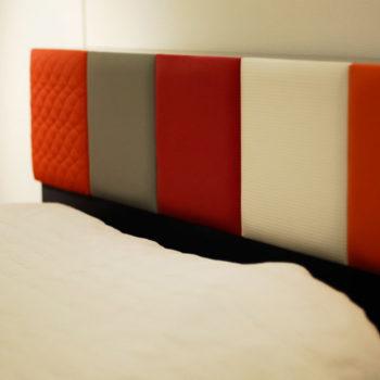 tête de lit murale sur mesure avec appui tête tapissés Drap-Pied mobilier Les Pieds Sur La Table